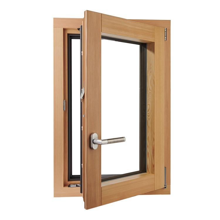 Fenêtre en bois pin, ouverte