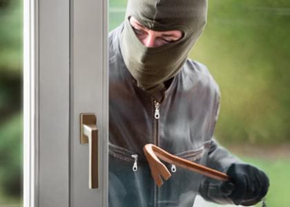 Sécurité des portes d'entrée en aluminium