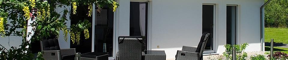 porte fen tre monobloc sur mesure pas ch re et de qualit. Black Bedroom Furniture Sets. Home Design Ideas