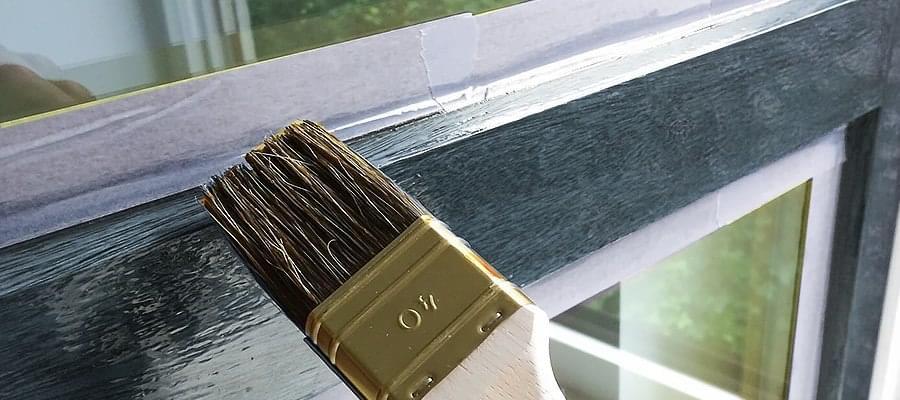 peindre une porte en bois en blanc. Black Bedroom Furniture Sets. Home Design Ideas