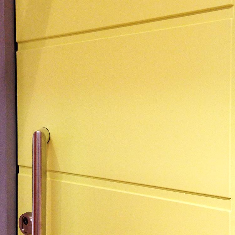 portes d 39 entr e marseille achetez porte en bois pas cher. Black Bedroom Furniture Sets. Home Design Ideas