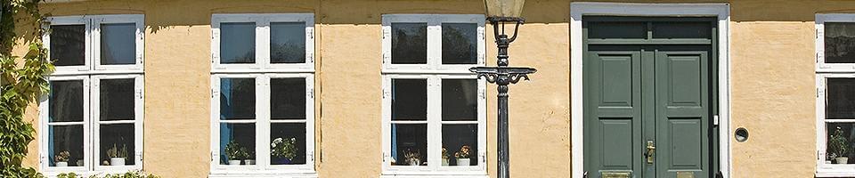 vieille fen tre en bois en ligne pour pas ch r. Black Bedroom Furniture Sets. Home Design Ideas